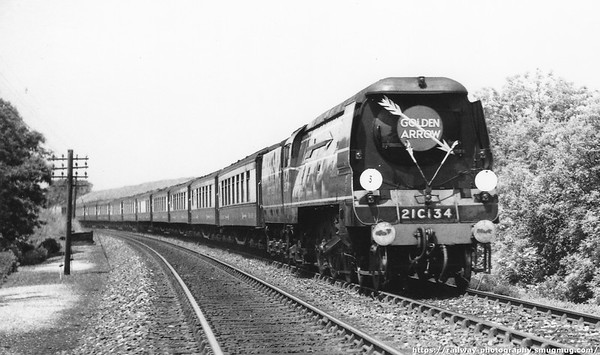 21C134 (still to be named Honiton) with the 'Golden Arrow' Pullman service