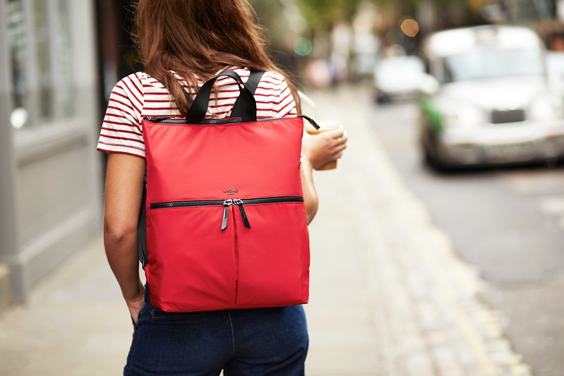 Dalston;Reykjavik;Totepack;15'';129-402-RED;On The Model