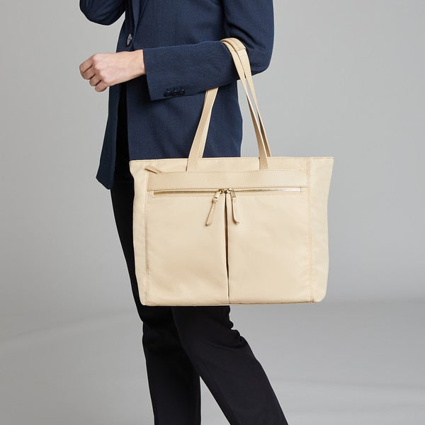 Mayfair, Grosvenor Place M, Trench Beige, 119-210-TRB, Female Model