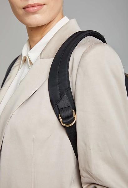 Mayfair, Beauchamp L, Black, 119-419-BLK, Female Model