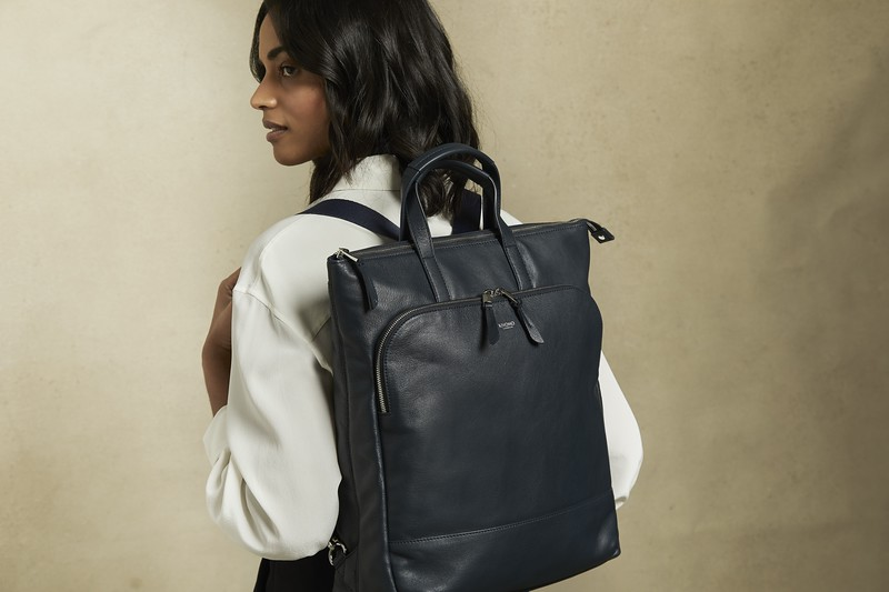 Mayfair Luxe, Harewood, dark navy blazer, 120-413-BLZ, lifestyle, 1MB