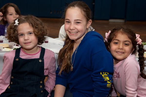 2011-04-15 SSDS Fifth Grade and Kindergarten Seder