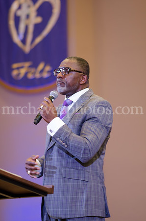 Bishop Lovester Adams preaches preaches at Southern Saint Paul's South Campus
