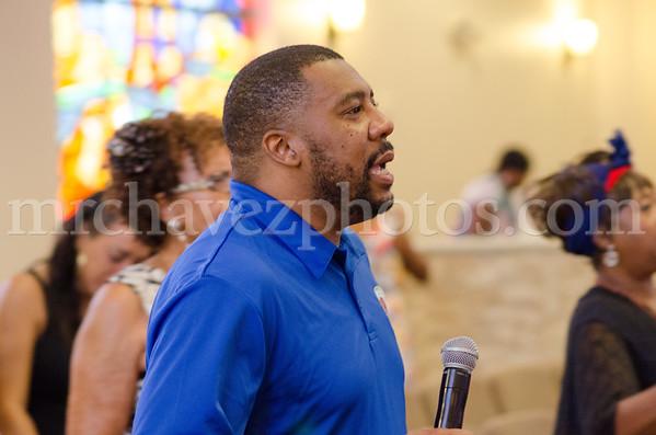 Sr Pastor Xavier L. Thompson preaches preaches at Southern Saint Paul's South Campus