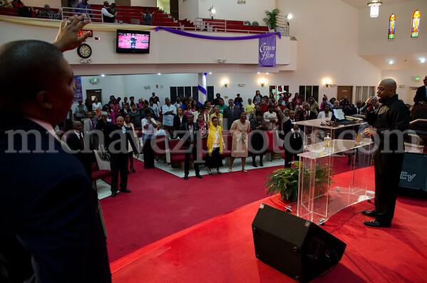 04-12-SMBC Rev  Dr  Todd Hall-199