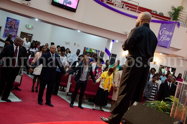 04-12-SMBC Rev  Dr  Todd Hall-220