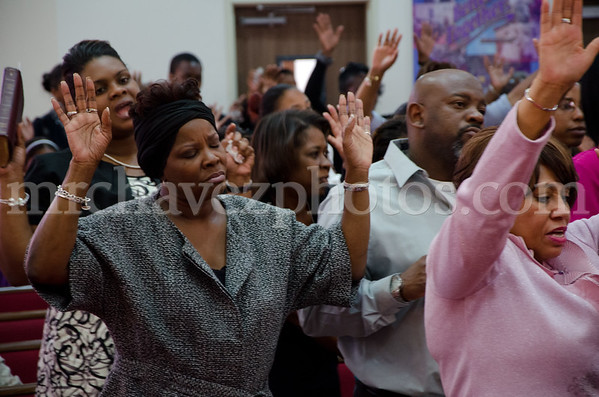 04-12-SMBC Rev  Dr  Todd Hall-261