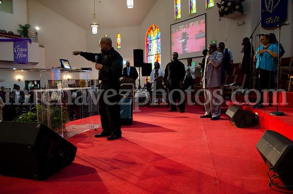 04-12-SMBC Rev  Dr  Todd Hall-209