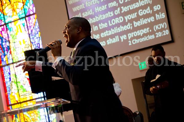 04-12-SMBC Rev  Dr  Todd Hall-254