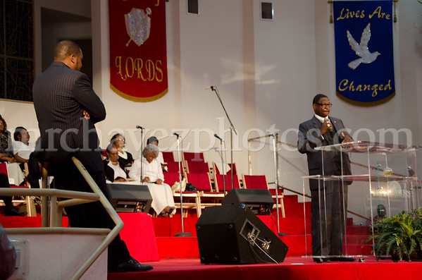 5-12 Pastor Toussaint at SMBC-7