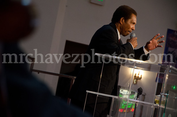 5-12 Pastor Toussaint at SMBC-57