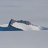 Fjellformasjon og is, Dronning Maud Land, Antarktis
