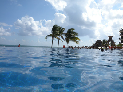 Hotel's pool - 3 Infinity Pool