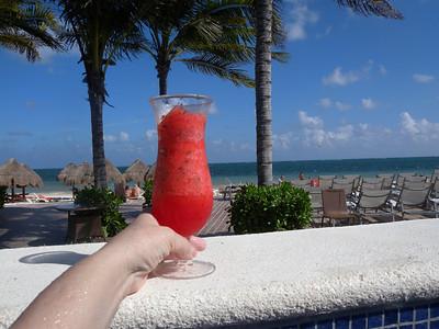 Hotel's pool - 6 Watermelon mojito