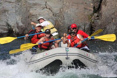 2008-09-13_04-17-37_rafting