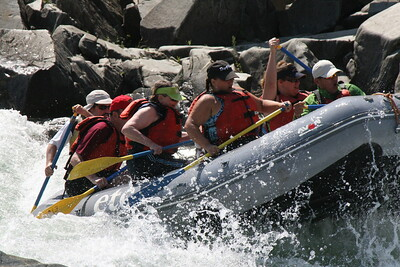 2008-09-14_12-50-19_rafting