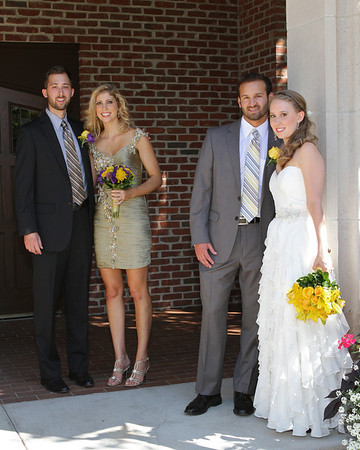 WEDDING PARTY OUTDOORS