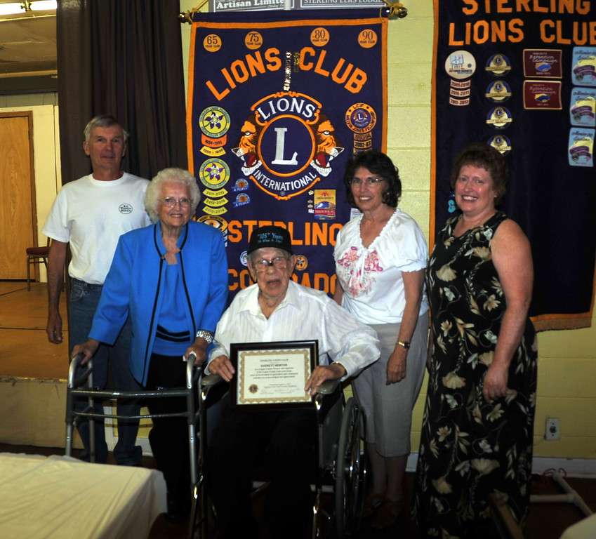 Pioneer Award recipient Everett Newton poses for a photo with his family at the Sterling Lions Club's Cowboy Breakfast Wednesday, Aug. 5, 2015.
