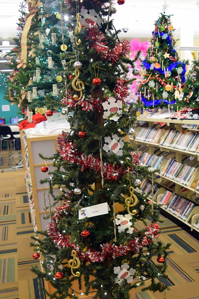 KPMX's tree at Sterling Public Library's 2017 Parade of Trees.