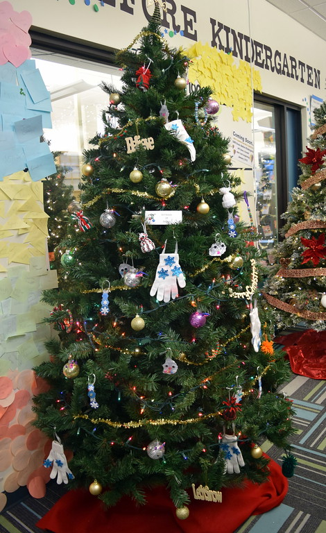 . Girl Scouts of Sterling\'s tree at Sterling Public Library\'s 2017 Parade of Trees.