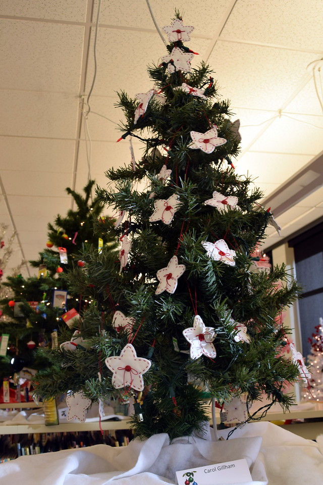 Carol Gillham's tree at Sterling Public Library's 2017 Parade of Trees.