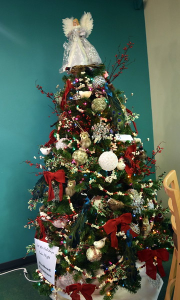 Bedford Furniture's tree at Sterling Public Library's 2017 Parade of Trees.