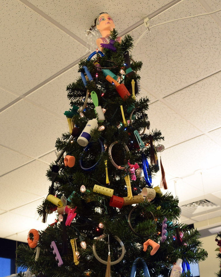 NJC Cosmetology's tree at Sterling Public Library's 2017 Parade of Trees.