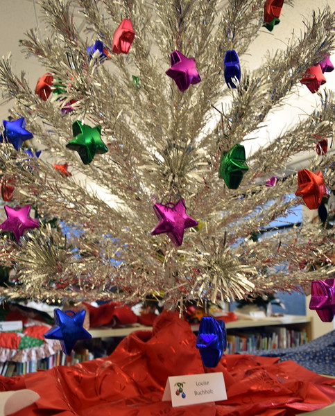 Louise Buchholz's tree at Sterling Public Library's 2017 Parade of Trees.