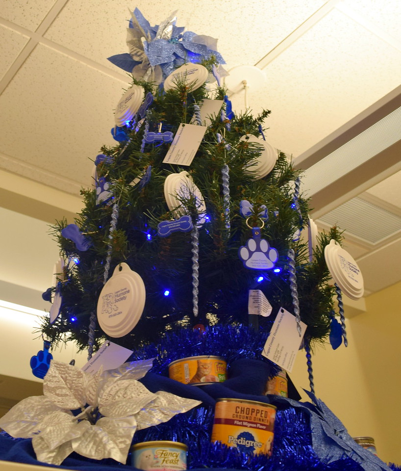 Logan County Humane Society's tree at Sterling Public Library's 2017 Parade of Trees.