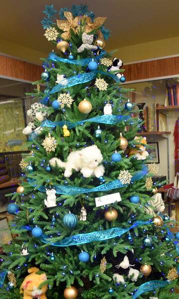 Marge Mustain's tree at Sterling Public Library's 2017 Parade of Trees.