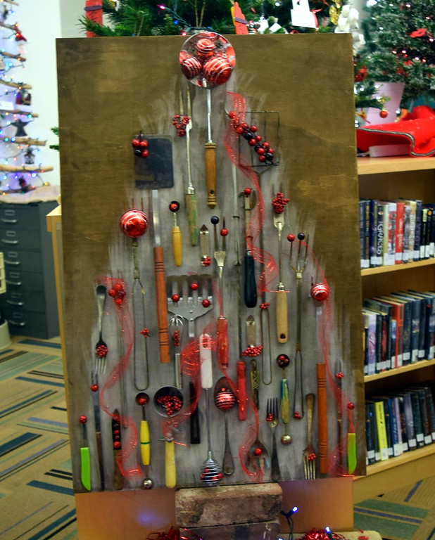 . Cheryl Schulte\'s tree at Sterling Public Library\'s 2017 Parade of Trees.