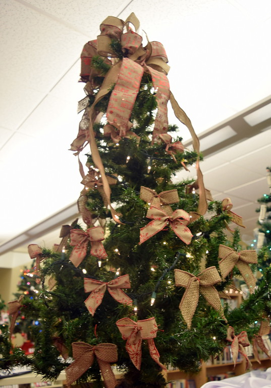 . Vickie Wettstein\'s tree at Sterling Public Library\'s 2017 Parade of Trees.