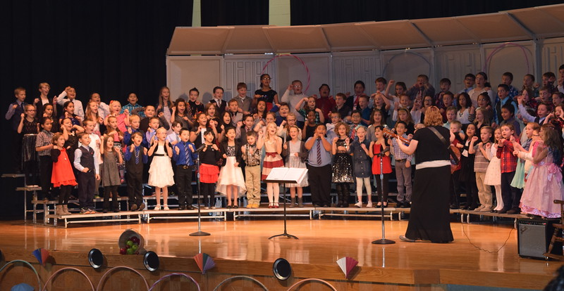 "Campbell Elementary third grade singers perform ""Apple Tree,"" under the direction of Janelle Nicolaus, during their ""American Folk Songs"" program Tuesday, Nov. 29, 2016."