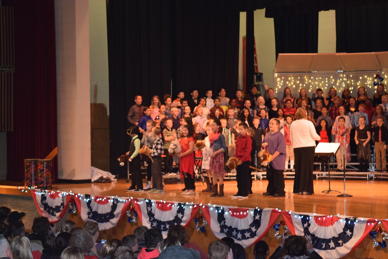 "Campbell Elementary fourth grade singers perform ""Yankee Doodle,"" under the direction of Janelle Nicolaus, at the school's ""Yankee Doodle's Dandy Christmas"" program, Thursday, Dec. 8, 2016."