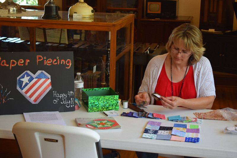 Paper piecing demonstration at the 2017 Heritage Festival