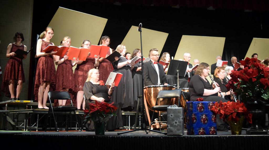 """. The Master Chorale and the Sterling High School Jazz Choir perform \""""While Shepherds Watched Their Flocks\"""" at Master Chorale\'s \""""27th Noel\"""" Christmas Concert Sunday, Dec. 9, 2018."""