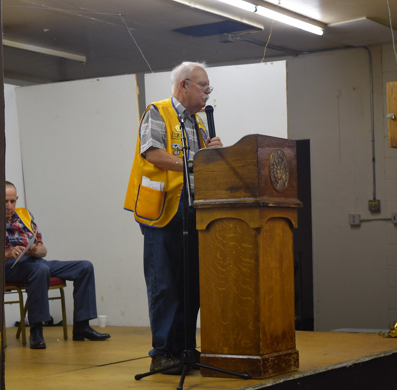 Sterling Lions Club President Ken Hazlitt welcomes guests to the club's annual Cowboy Breakfast Wednesday, Aug. 9, 2017.