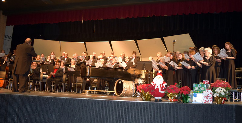 """Master Chorale performs """"Gloria In Excelsis,"""" under the direction of Don Johnson, during their 25th Noel Christmas Concert, Sunday, Dec. 11, 2016."""
