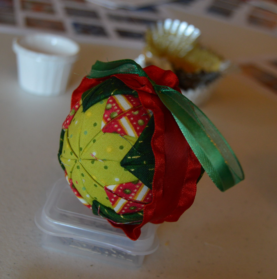 The finished product: A No Sew Quilted Ball Ornament
