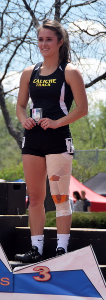 Caliche's Kayla Zink placed third in the 100 meter dash.