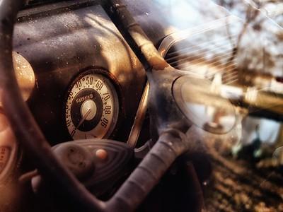 steering wheel old car