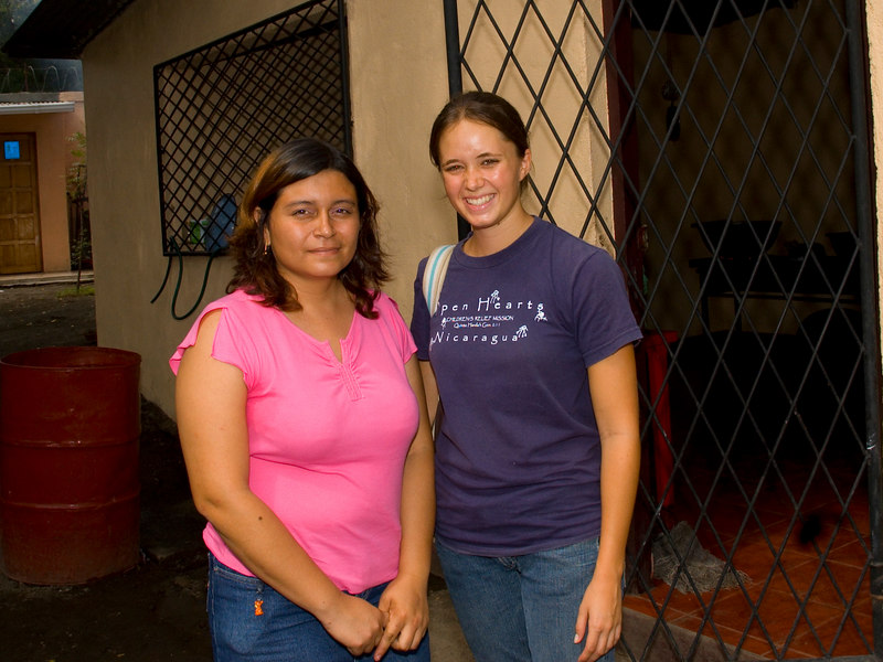 Nicaragua Mission November 2006<br /> School of Hope in the dump<br /> Melissa Buzbee and the Director of the School of fHope