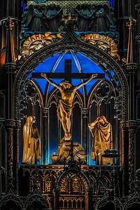 Notra-Dam Crucifix