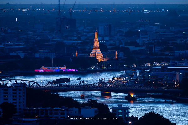 Wat Arun view from Yao Rooftop Bar