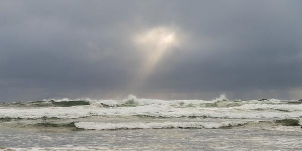 Ocean Waves, Cox Bay, Pacific Rim National Park Reserve, Tofino, Vancouver Island, British Columbia, Canada