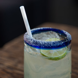 Glass of lemonade with straw, Centro, Zona Centro, San Miguel de Allende, Guanajuato, Mexico