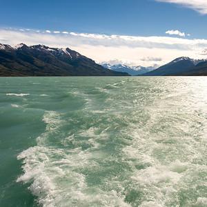 Wake in Lake Argentino, Los Glaciares National Park, Santa Cruz Province, Patagonia, Argentina