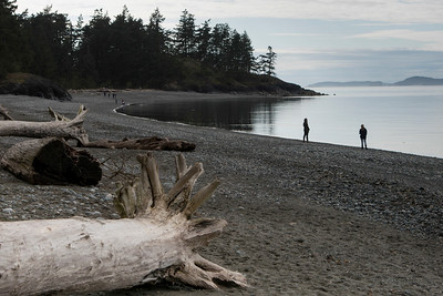 Tourists at the lakeside, Deception Pass State Park, Oak Harbor, Washington State, USA