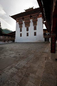 Punakha Dzong was constructed by Tuebi Zaow Balip under the great command of Zhabdrung Ngawang Namgyal in 1637. It is also the country's most beautiful Dzong.It is the winter residence of Bhutan's Central Monastic Body led by HH the Je Khenpo. The Dzong houses the most sacred relics of the Southern Drukpa Kagyu school including the Rangjung Kasarpani, and the sacred remains of Zhabdrung Ngawang Namgyal and Terton Padma Lingpa. Bhutan.