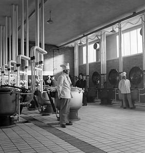 Z6243, 124F-4, Nieuwe keuken Gagelstraat, Philiprak, 1943, 193.7, 352, 642.11 (PK, 13-1-1943)